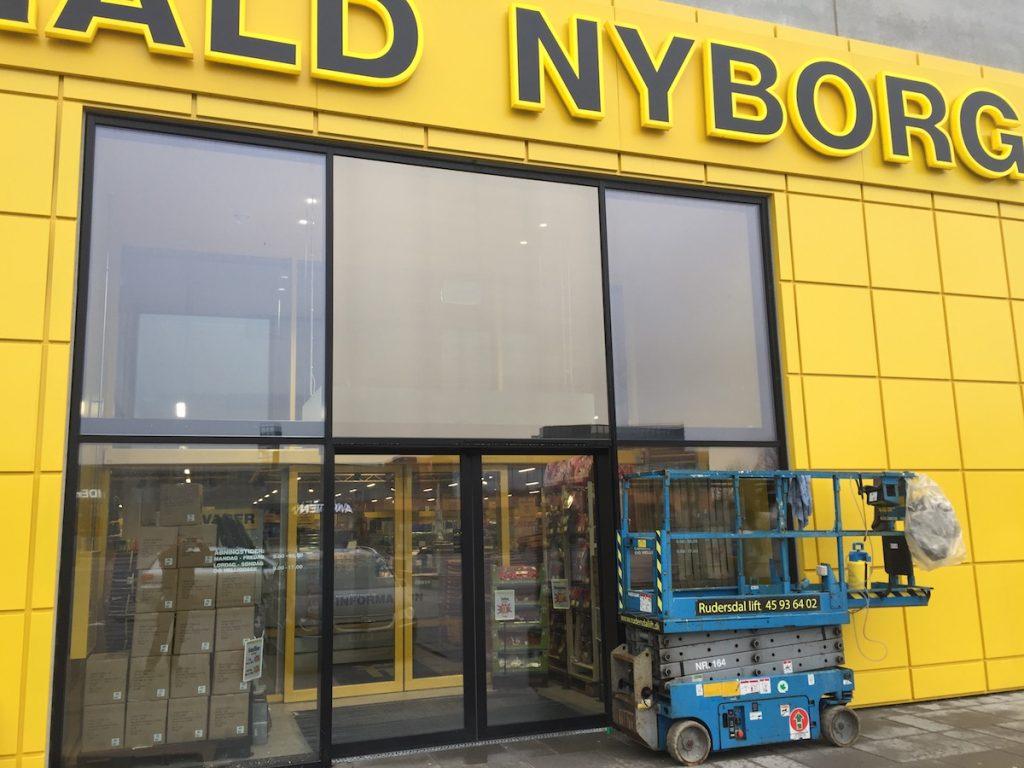 Udvendig solfilm monteret hos Harald Nyborg