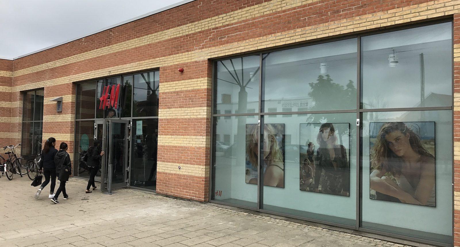 3M Prestige 70 ext monteret på glasfacade hos H&M